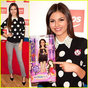 Victoria Justice: Tori Doll Signing in London!