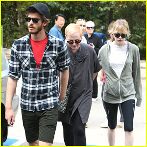 Emma Stone: Hollywood Hills Walk with Andrew Garfield & Mom Krista