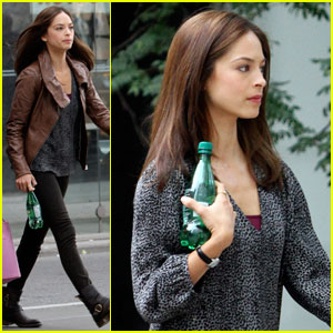Kristin Kreuk: 'Beauty & The Beast' Premieres Next Thursday!