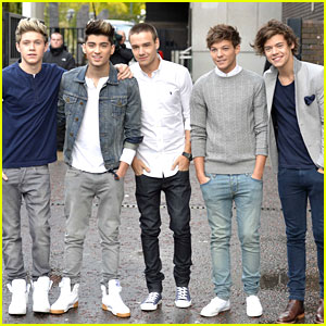 One Direction Stop By 'Daybreak'