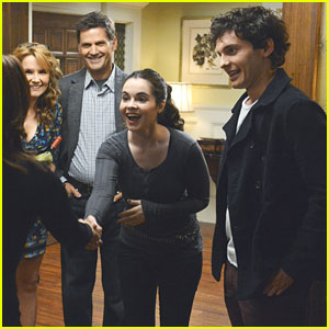 Vanessa Marano &#038; Mat Vairo: Dinner with the Parents on 'Switched At Birth'