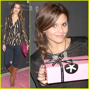 Alexandra Chando: Georgetown Cupcakes LA Opening!