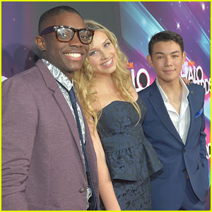 Gracie Dzienny: 'Supah Ninjas' at TeenNick Halo Awards 2012