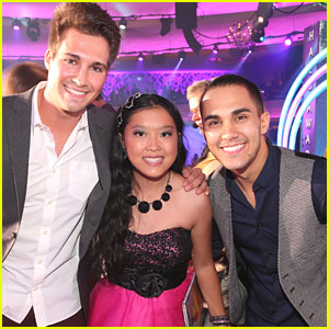 James Maslow &#038; Carlos Pena - TeenNick Halo Awards 2012