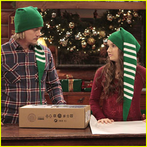 Kaitlyn Dever &#038; Christoph Sanders: Christmas Wrappers