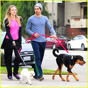 Melissa Ordway &#038; Justin Gaston: Dog Walking Duo