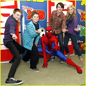 Drake Bell &#038; Olivia Holt: Read With Marvel Event