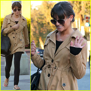 Lea Michele Shows Off Her 'Cory' Necklace!