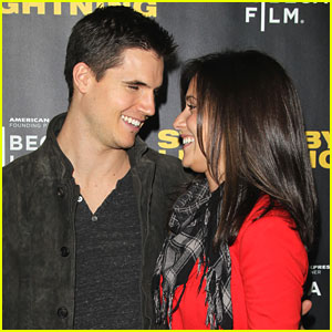 Robbie Amell & Italia Ricci: 'Struck By Lightning' Lovers