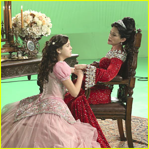 Bailee Madison: Back on 'Once Upon A Time' This Weekend!