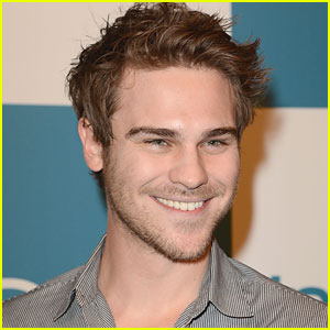 Grey Damon Joins 'Oxygen'