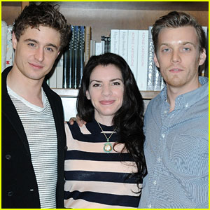 Jake Abel &#038; Max Irons: 'The Host' Book Signing with Stephenie Meyer