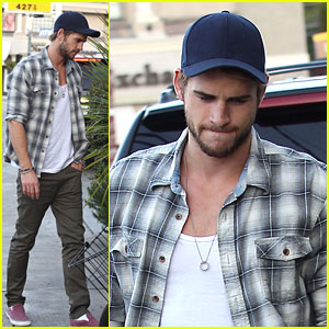 Liam Hemsworth: Sunday Lunch in Studio City