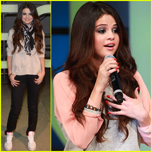 Selena Gomez: Adidas Neo Label Fashion Show