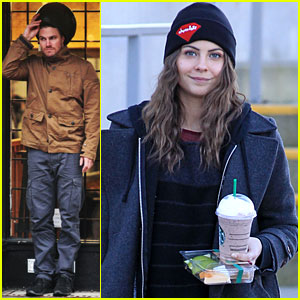 Willa Holland &#038; Stephen Amell: Rainy 'Arrow' Filming