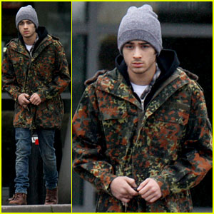 Zayn Malik: Completely Camoflage!