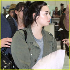 Demi Lovato: Manila Arrival!
