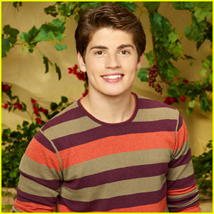 Gregg Sulkin: 'The Wizards Return' Interview!