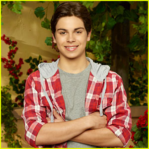 Jake T. Austin: 'The Wizards Return' Interview!