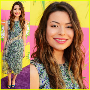 Miranda Cosgrove – Kids' Choice Awards 2013 Red Carpet | 2013 Kids