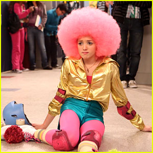 Peyton List: Pink Afro on 'Jessie' Tonight!