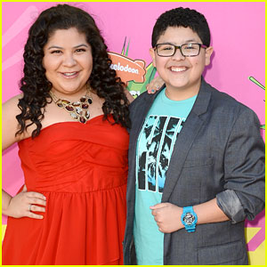 Rico & Raini Rodriguez - Kids' Choice Awards 2013 Red Carpet