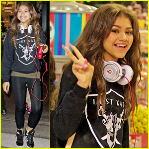 Zendaya: Candy Shopping Cutie!