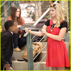 Stefanie Scott: 'A.N.T. Farm' Crush on Carlon Jeffrey!