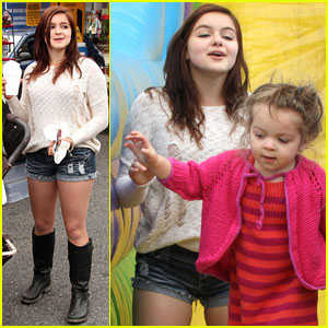 Ariel Winter: Fun at the Farmers Market