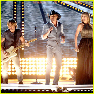 Tim McGraw, Taylor Swift &amp; Keith Urban  Highway Dont Care