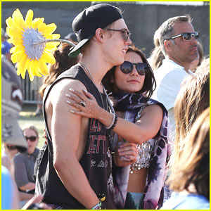 Vanessa Hudgens & Austin Butler: Last Night at Coachella