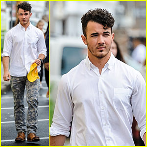 Kevin Jonas Visits Seaside Heights