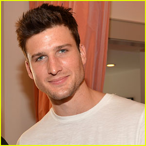 Parker Young: Fox Picks Up 'Enlisted' Pilot!