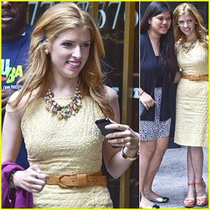 Anna Kendrick: Fan Friendly in NYC
