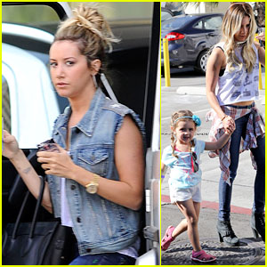 Ashley Tisdale: Shopping with Mom & Mikayla!