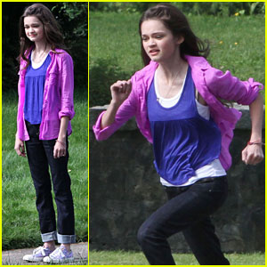 Ciara Bravo: 'Jinxed' Filming in Vancouver