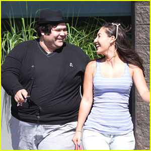 Francia Raisa & Harvey Guillen: Lala's Lunch