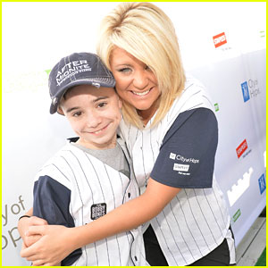Lauren Alaina: City of Hope Celebrity Softball Game 2013