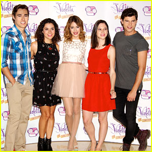 Martina Stoessel: 'Violetta' Concert Tour Photo Call!