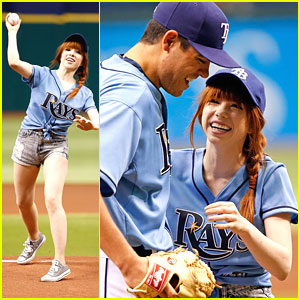 Watch Carly Rae Jepsen's Tamba Bay Pitch!