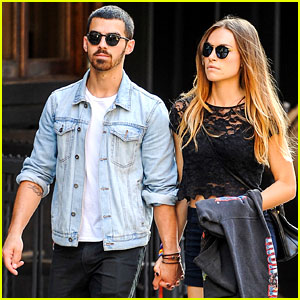 Joe Jonas & Blanda Eggenschwiler: SoHo Sweeties!