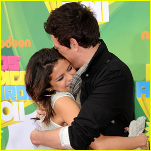 Selena Gomez Reacts to Cory Monteith's Death: 'This Hurts'