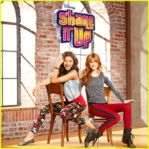 Where is the 'Shake It Up' Cast T