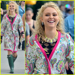 'The Carrie Diaries' Scoop: Season Two is Sexier!