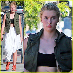 Ireland Baldwin: Tattoo Shop Stop!
