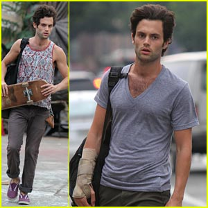 Penn Badgley: Wrist Brace on 'Cymbeline' Set