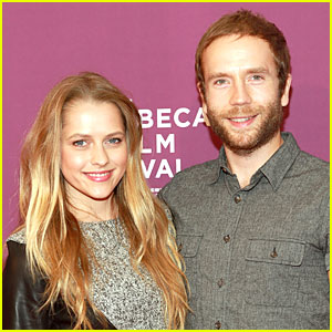 Teresa Palmer & Mark Webber: Engaged!