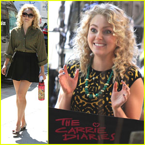 AnnaSophia Robb & Chris Wood: Date on 'Carrie Diaries' Set