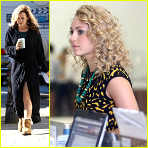 AnnaSophia Robb & Lindsey Gort: Museum Stop for 'Carrie Diaries'