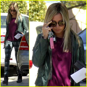 Ashley Tisdale: 'Guys That Play Guitar Are Hot'